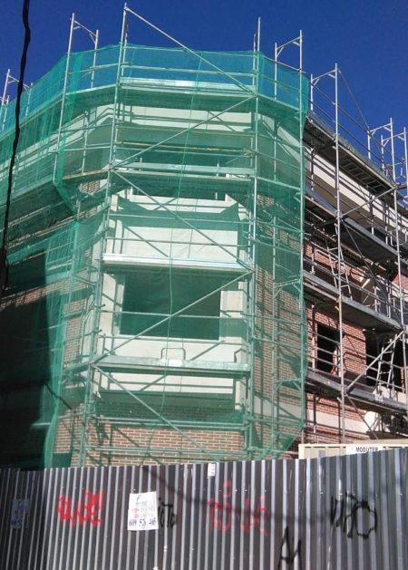 fachada en obras Aislamientos Ayara